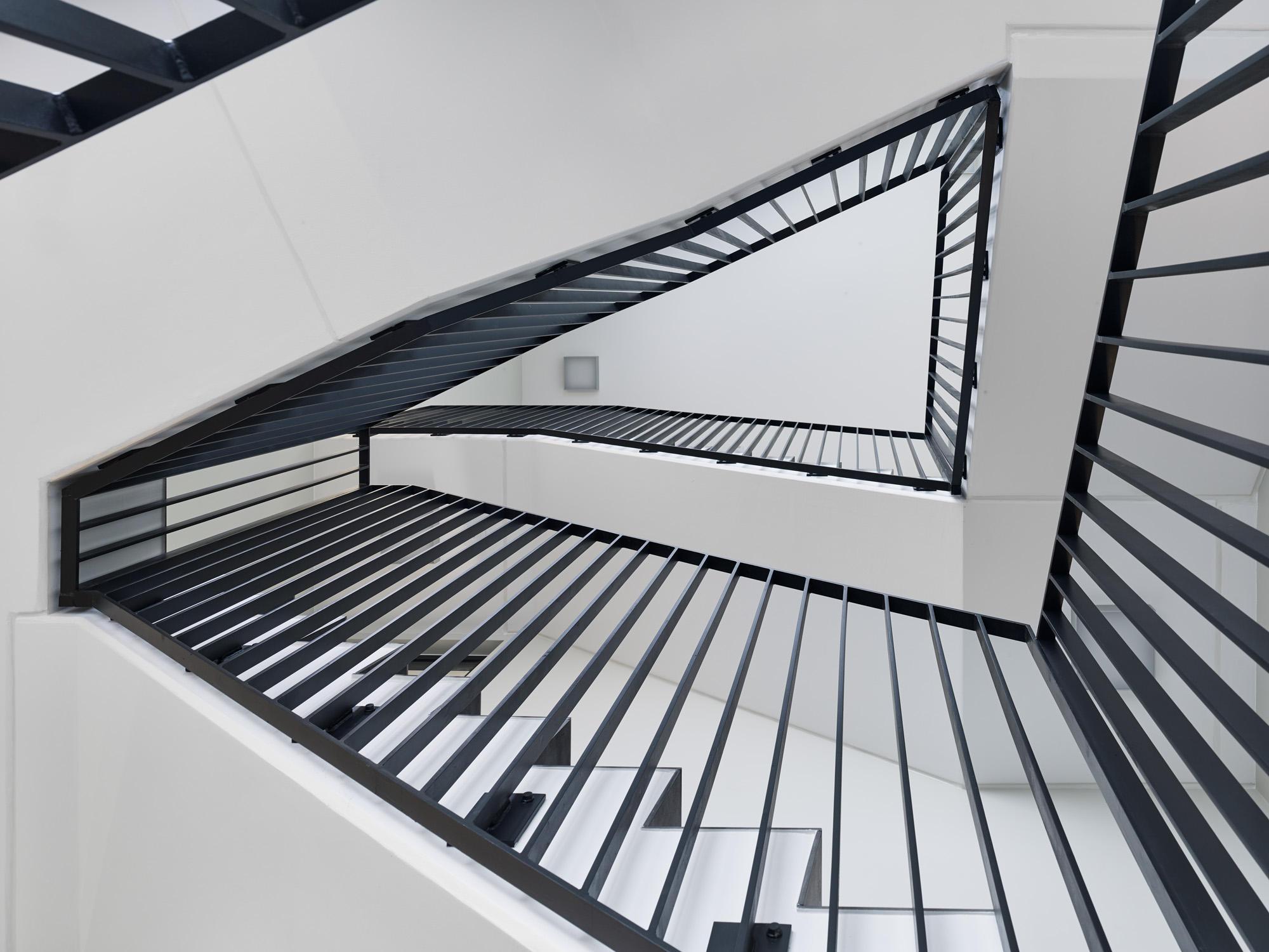 neubau-jadepack-treppenhaus-schoenbornschmitz-architekten