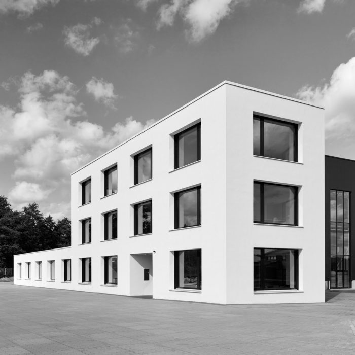 Projekt-neubau-jadepack-buerogebaeude-schoenbornschmitz-architekten